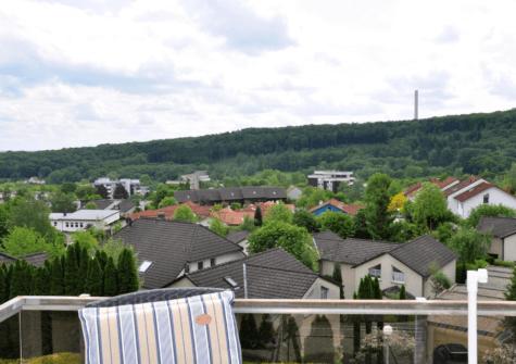 Komplett modernisierte 2,5-Zimmer-Wohnung mit traumhafter Aussicht