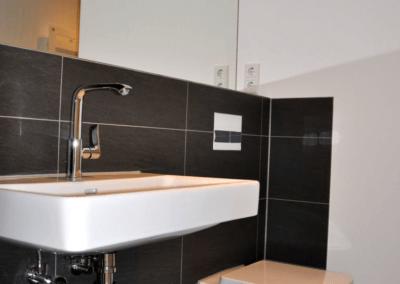 Badezimmer | Modernisierte Dachgeschosswohnung in Wetter