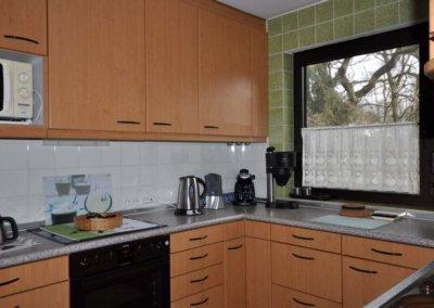Küche von großzügigem Reihenmittelhaus mit Garage in Herdecke-Westende
