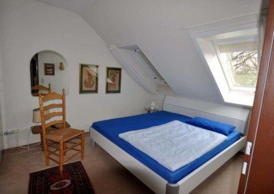 Schlafzimmer DG von großzügigem Reihenmittelhaus mit Garage in Herdecke-Westende
