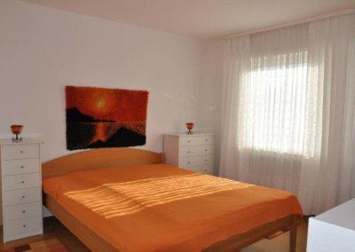 Schlafzimmer von komplett eingerichteter Wohnung in Herdecke-Westende